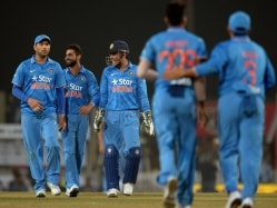 Dhoni Insists India Will Continue to Try Different Things Ahead of WT20