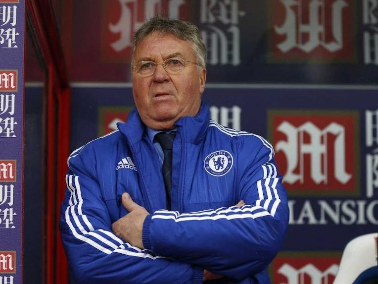 Bandar Bola - Hiddink: Chelsea Siap Menghadapi Paris Saint-Germain