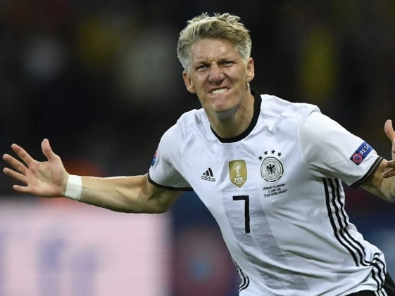 Bastian Schweinsteiger Calls Time on International Career With Germany