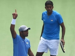 Leander Paes, Rohan Bopanna, S Myneni in India's Davis Cup Team vs Spain