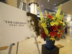 Muhammad Ali Remembered by Inductees In Boxing Hall of Fame Ceremony
