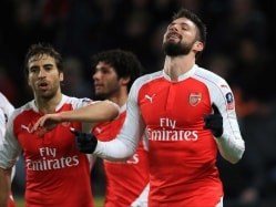 Olivier Giroud, Theo Walcott Help Arsenal Reach FA Cup Quarters