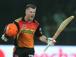 Finch Pays Glowing Tribute to 'Amazing' David Warner As SRH Down GL