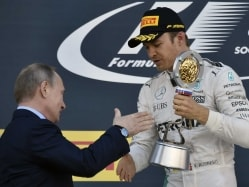 Seven-up Nico Rosberg Strolls to Win in Russian Grand Prix
