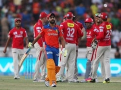 IPL: Jadeja Reprimanded For Showing Dissent at Umpire's Decision