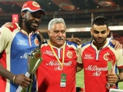 Vijay Mallya and Son Cheer For IPL Finalists RCB From London