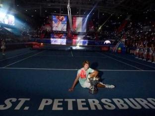 Stan Wawrinka Beaten by 'Future of Tennis' Alexander Zverev