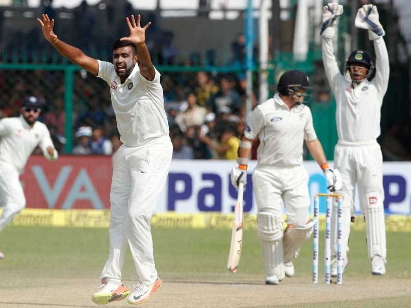 New Zealand chip away as India extend lead past 300