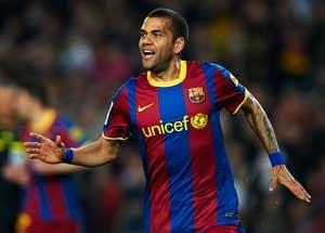 Barcelona Defender Alves Back for Champions League