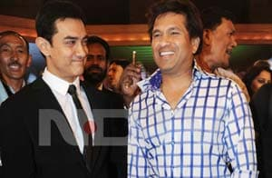 Aamir Khan dedicates 'Dhoom Machale' song to Sachin Tendulkar