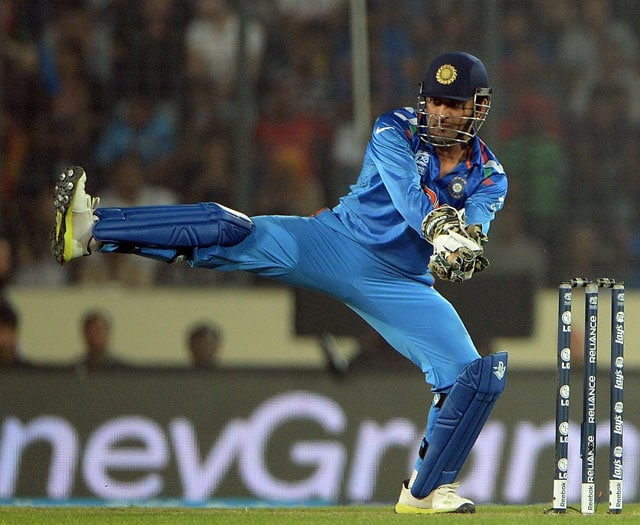 ICC World Twenty20: Mahendra Singh Dhoni equals world ... Ms Dhoni Wicket Keeping Diving