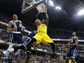 Thunder rumbles Pacers, move level with Spurs