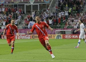 Euro 2012: Russia look to seal last eight spot against Greeks