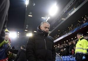 EPL: Chelsea manager Jose Mourinho defends misfiring strikers