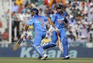 Live Cricket Score: India vs Australia, MS Dhoni, Virat Kohli
