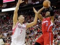 Lin guide Rockets to key win over Clippers