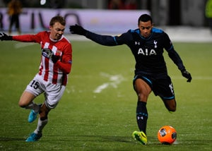 Mousa Dembele (right)