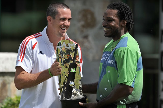 Photo of Chris Gayle & his friend celebrity  Kevin Pietersen -