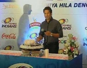 Birthday Cake Images Sachin : Sachin Tendulkar says never been so  tense  while cutting ...