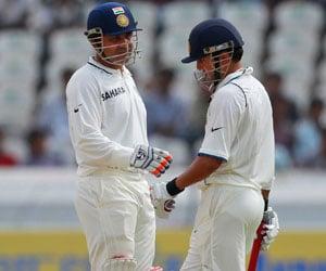 Virender Sehwag and Gautam Gambhir begin their  2nd innings Virender Sehwag And Gautam Gambhir