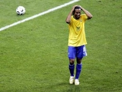 Former Brazil Soccer Star Ronaldinho Escapes Unhurt in Car Crash