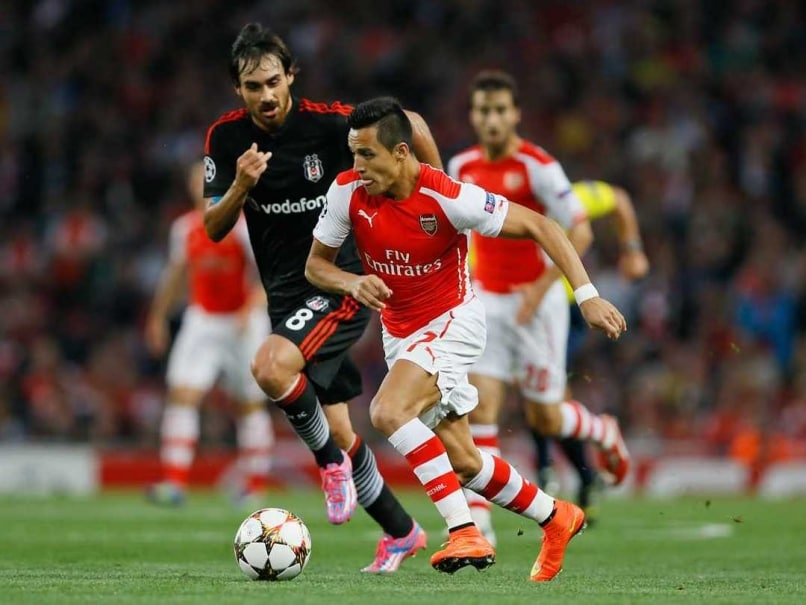 Alexis Sanchez Strike Helps 10-man Arsenal Reach Champions League Group Stage