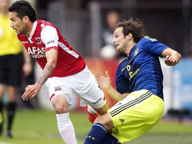 Manchester United F.C. 'Bid' for Daley Blind but His Agent is Clueless
