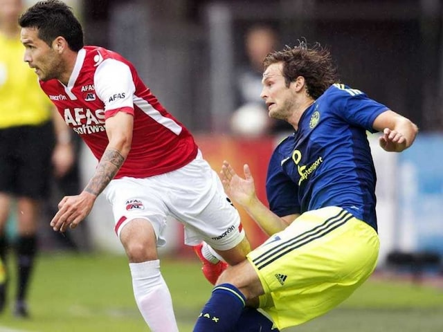 Manchester United F.C. Bid for Daley Blind but His Agent is Clueless