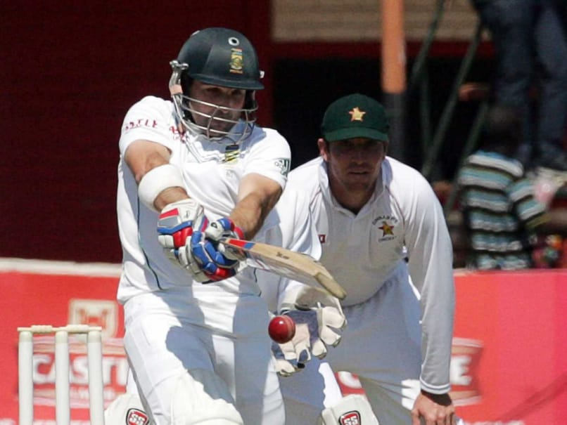 South African Opener Dean Elgar Reprimanded After Hitting the Stumps in Anger