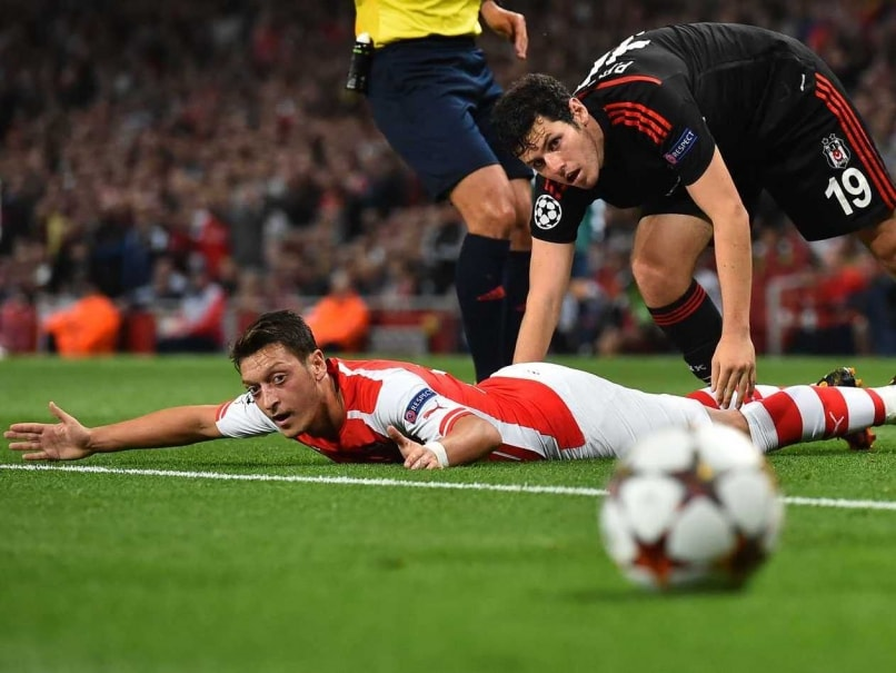 German Star Mesut Ozil Ruled Out for 12 Weeks
