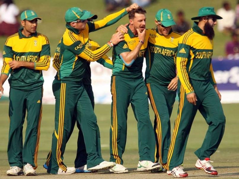 Tri-Series: Dale Steyn, Ryan McLaren Script 61-run Victory for South Africa