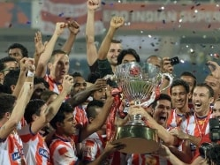 Indian Super League Glitz Props National Football, Home Team Slips in 2014