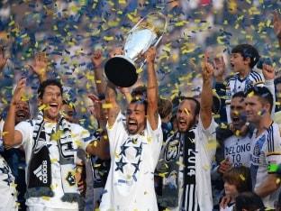 Landon Donovan Goes out on Top as LA Galaxy Win MLS Cup