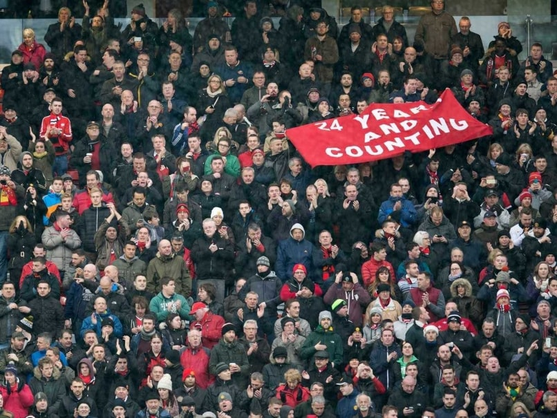 Manchester United to Freeze Ticket Prices for 2015-16 Season