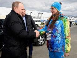 Russian Olympic Pole Vault Champion Yelena Isinbayeva Gives Birth to Daughter