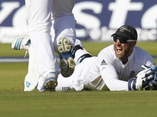 England vs India: MS Dhoni Rejoices While Demoralised Hosts Lose Matt Prior