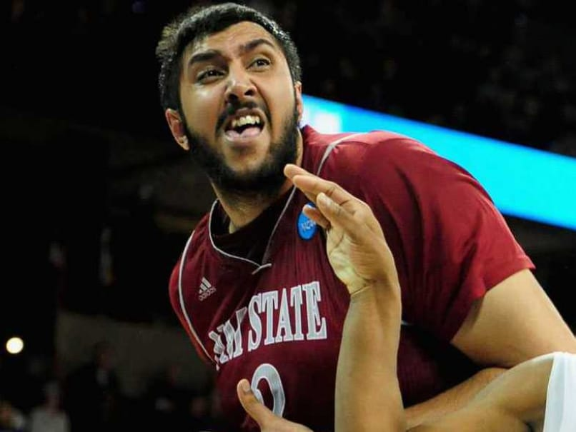 Sim Bhullar Becomes First Player of Indian Descent to Sign NBA Contract