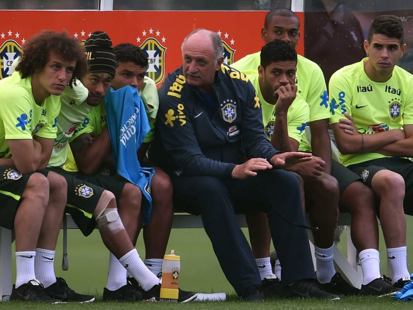 World Cup 2014: Luiz Felipe Scolari in Quandary Over Who Replaces Neymar