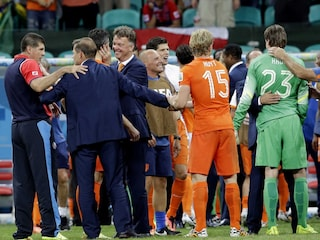 World Cup 2014: Louis van Gaal Hailed by Press for Masterstroke