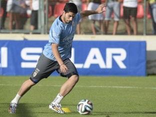Luis Suarez training world cup