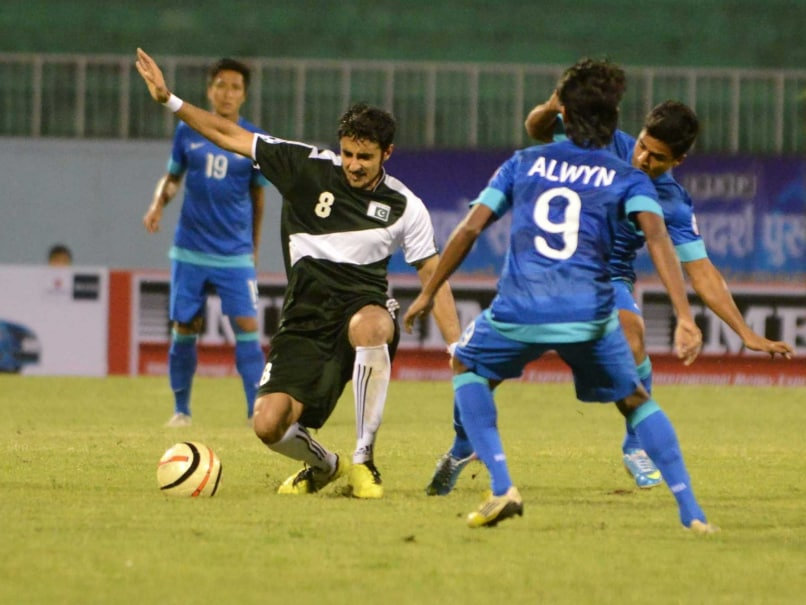 India, Pakistan Resume Rivalry on Football Pitch
