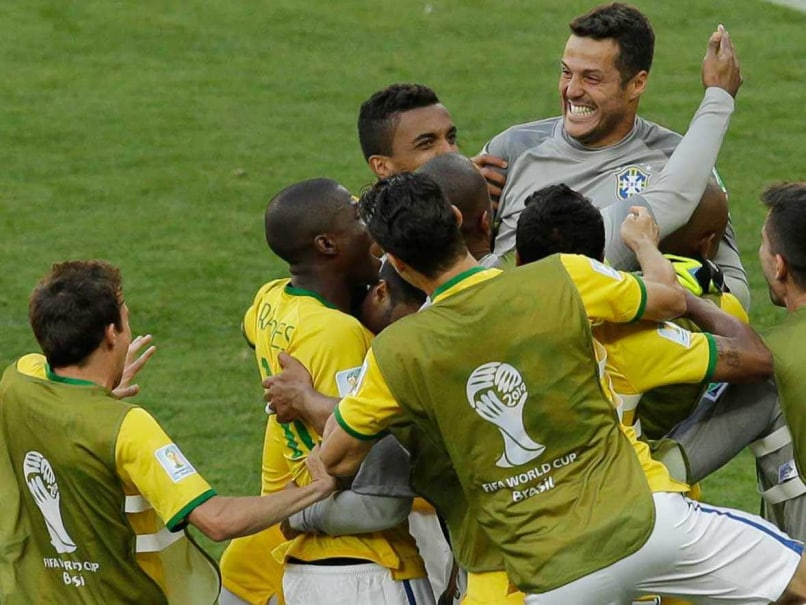 World Cup 2014: Brazil Beat Chile 3-2 on Penalties, Enter Quarters