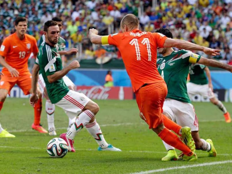 World Cup 2014: Dutch Airline KLM Deletes Sombrero Tweet After Mexico's Defeat