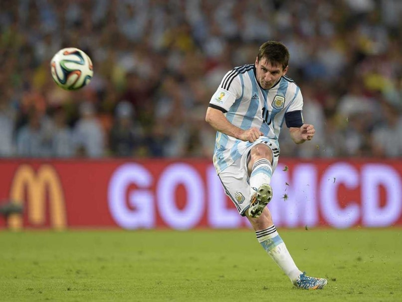 Despite a Shadow, Messi Simmers in Argentina's Cup Debut