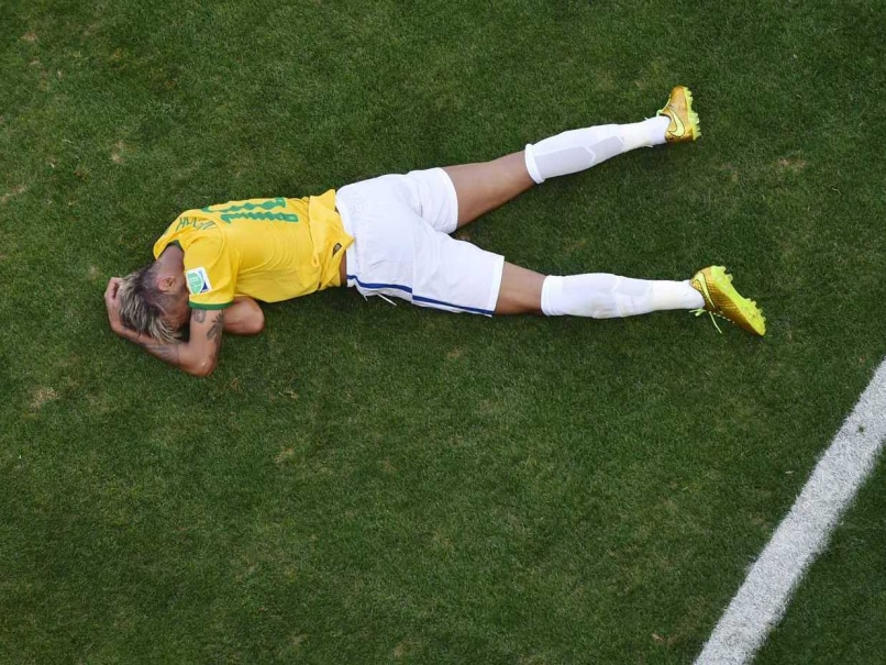 World Cup 2014: Brazil Sweat on Neymar Injury, Luiz Gustavo Suspended
