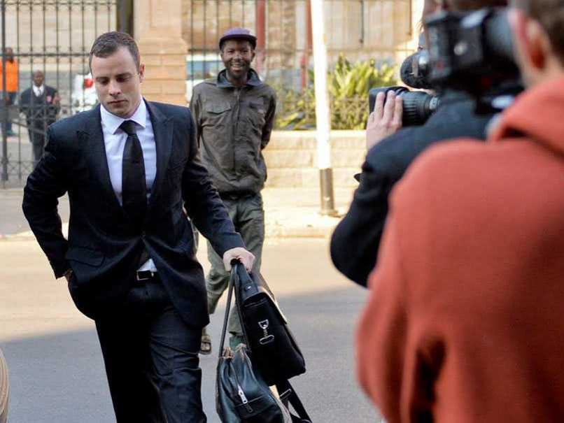 Oscar Pistorius Returns to Court After Mental Evaluation