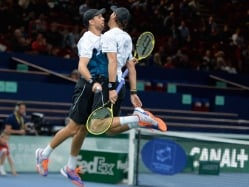 Bryan Brothers Clinch Fourth Doubles Title in Paris
