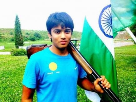 Like Father Like Son, Manavaditya Rathore Shoots Gold