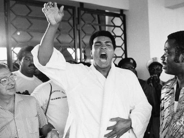Muhammad Ali Celebrates 40th Anniversary of Legendary Fight With Joe Frazier