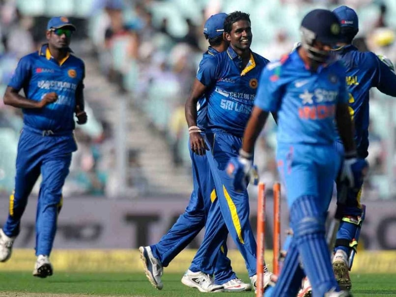 Live Cricket Score India vs Sri Lanka 4th ODI at Eden Gardens